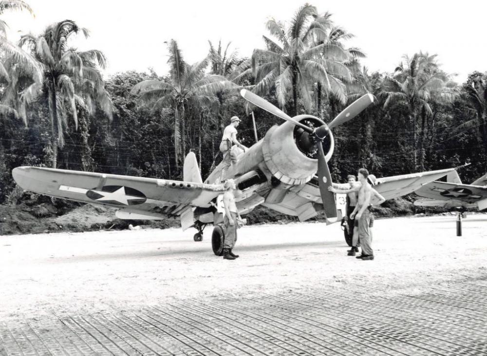 F4U-1ACorsairofMarineSquadronVMF-216atTorokinaBougainvilleSolomonIslands10Dec1943_zps77bca02b