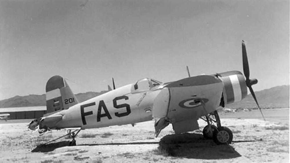 Goodyear-FG-1D-Corsair-El-Salvador-Airforce-as-FAS201-03
