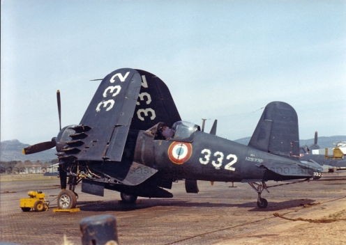 Vought-AU-1-Corsair-French-Navy-Flottille-White-332-previously-USN-Bureau-No-129332-VMA-212-Korea-01